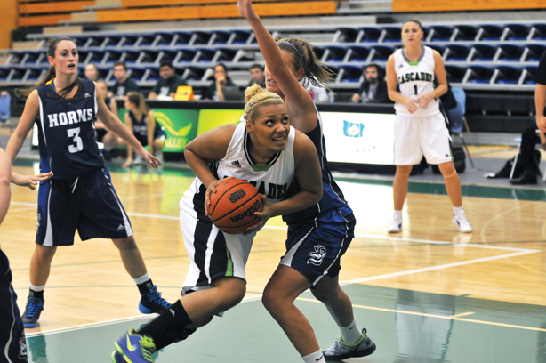 Cascades second-year forward Shayna Litman shows some explosive offence in the paint.
