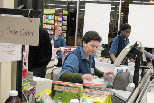 Students working in retail are encouraged to share their experiences and contribute to research.  (Image:  Erin Nekervis/ flickr)