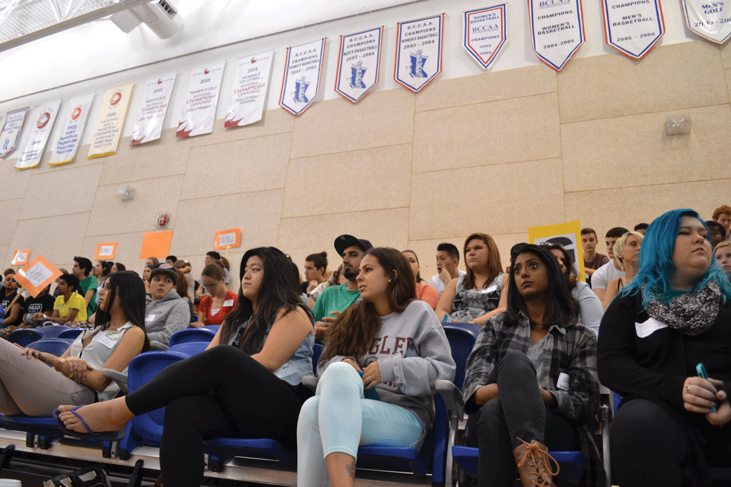 "Students gathered in the Envision Athletic Centre for ""Experience 101"" to kick off this year's new student orientation.  (Image: Kodie Cherrille/Cascade)"