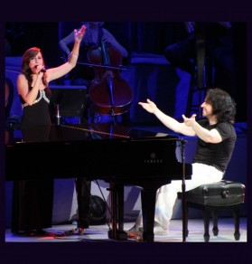 No dull moments in Yanni's performance