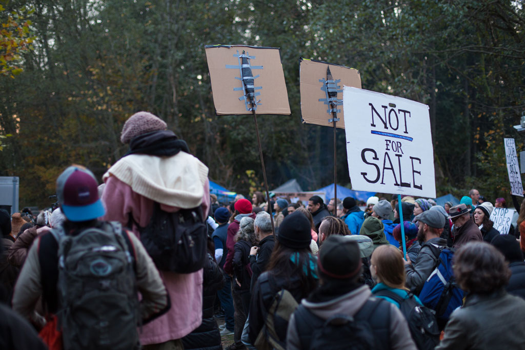 The pipeline controversy continues up the mountain and back. (Image: Mark Klotz/ flickr)