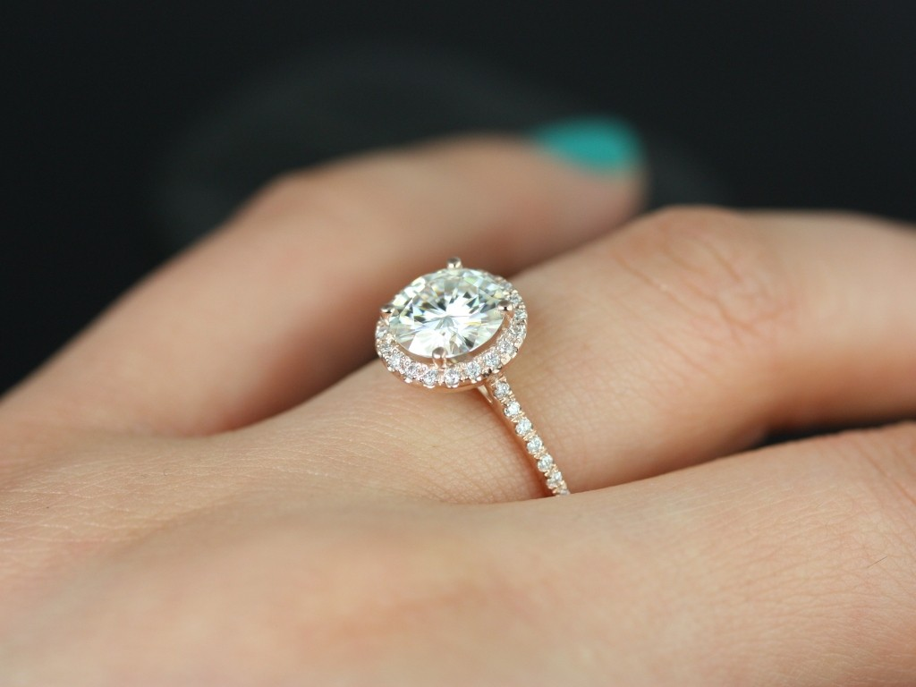 The search for your perfect ring requires rigorous research.  (Image: loveandpromisejewelers.com)