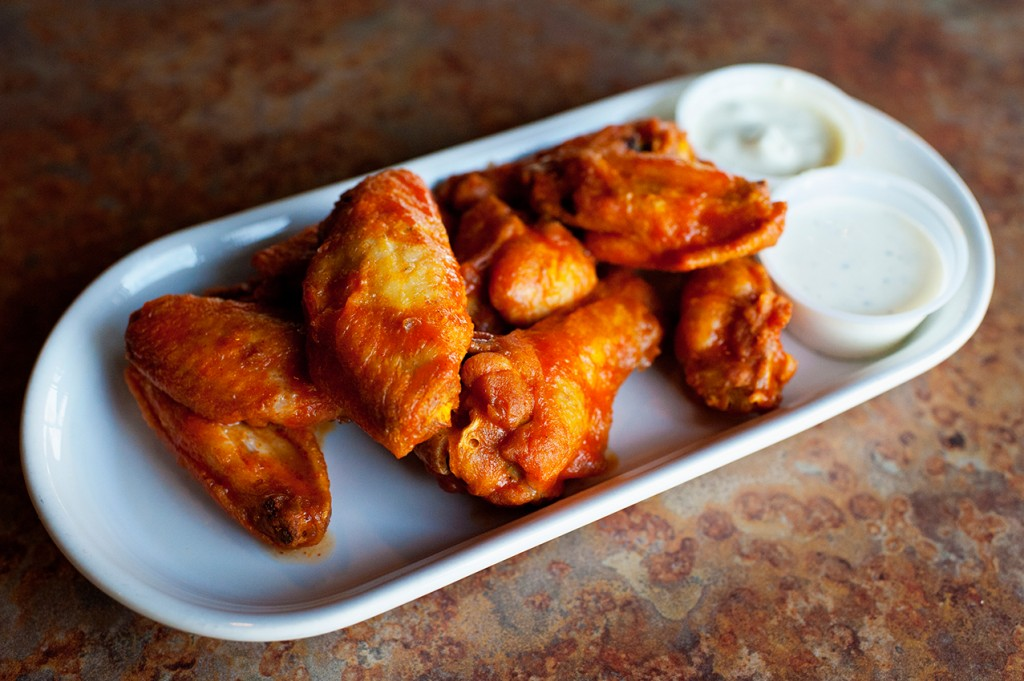 Among Marty's offerings is a beer-and-chicken package, including a pound of wings, for $20. (Image: marty'sgrill.com)